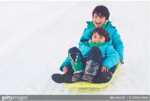 loisirs pour les enfants l'hiver a la montagne