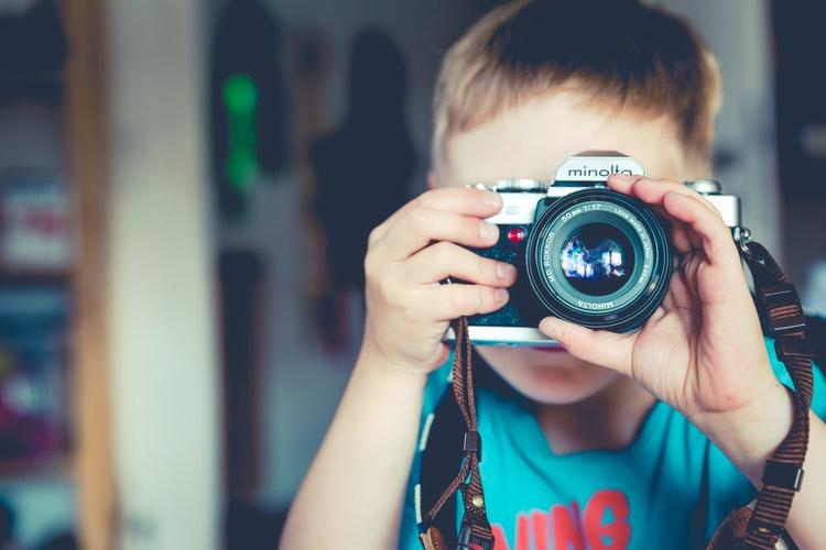 enfant-fait-photo