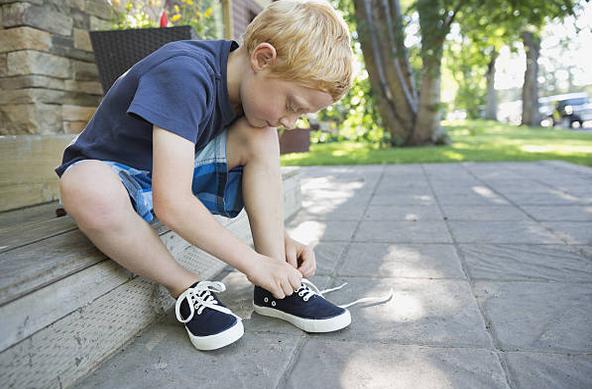garcon--baskets-lacets-enfant-chaussures