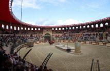 Spectacle de gladiateurs au Puy du Fou
